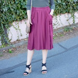 3/$15 Old Navy Midi Skirt with Pockets Maroon